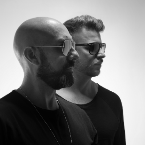 Chus & Ceballos [open-to-close] - Michael Scott - Edo - Dusk high quality event photo